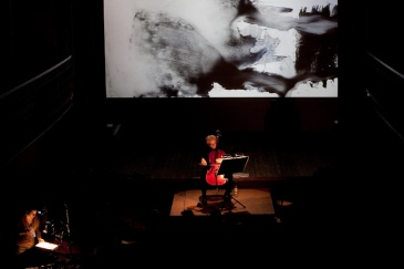 Timeless Echoes, a composition from Kee Long Chong / Arne Deforce (B) celle, Sigrid Tanghe, projection